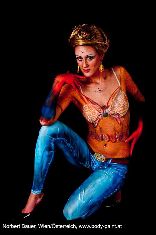BodypaintingJeansTopGewand3268jpg Bodypaint Galerie