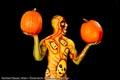 Bodypainting_Kuerbis_Halloween_Kopfschmuck_Mann_04535.jpg